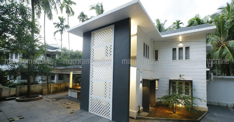renovated-manjeri-home-view