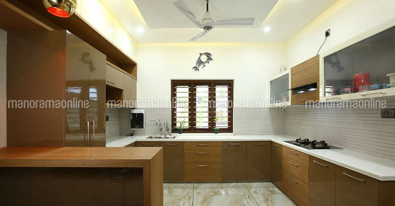 32-lakh-manjeri-kitchen