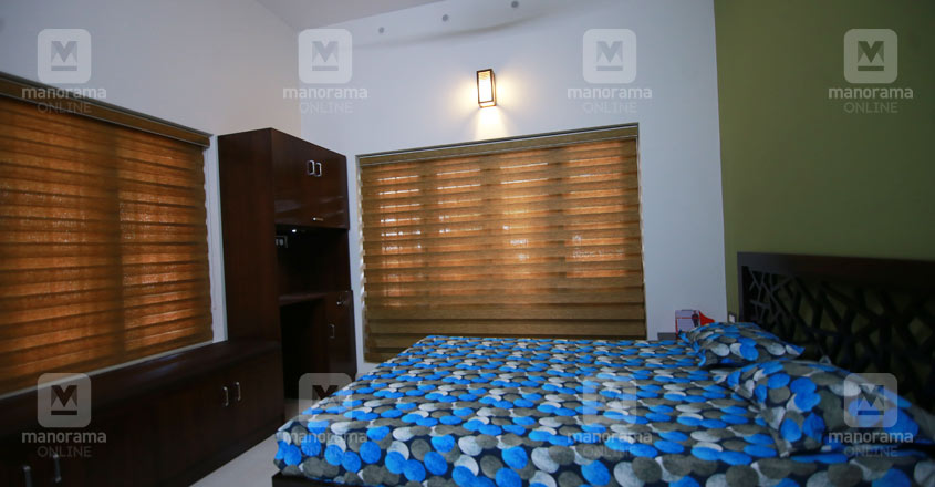 colonial-theme-house-kottayam-bed