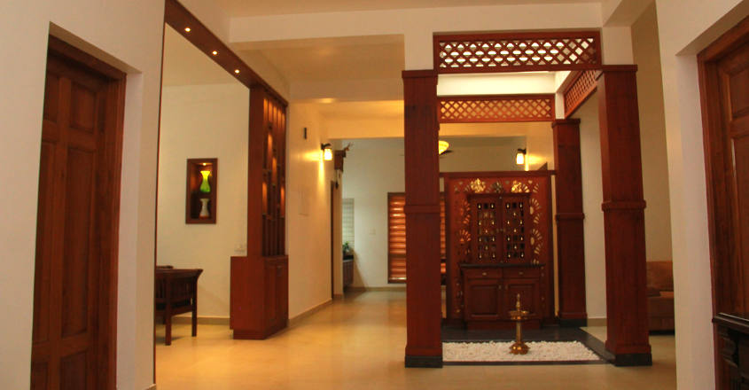 traditional-home-kannur-court